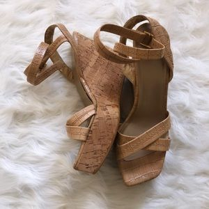 STUART WEITZMAN Tan ankle strap wedge sandals